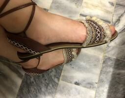 美麗秘書小姐的最愛~COMFORT咖啡色民族風綁帶圓頭涼鞋(39號)~25.0、8.0號的正妹也可穿