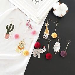 【小粟米】可愛貓頭鷹紅鶴動物刺繡 毛球不對稱耳環 科基吉娃娃法鬥雪納瑞松鼠兔子貓咪