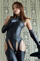 歐美新款情趣內衣SM特務角色扮演黑色漆皮高衩比基尼+開檔連褲襪+手套 性感超值套裝 B6113