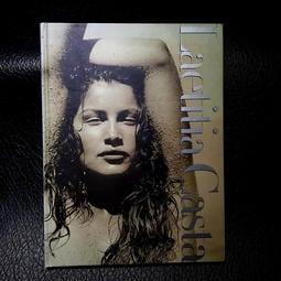 法國超模 Laetitia Casta 寫真攝影集 1999出版 A4  附海報1  如新/二手書